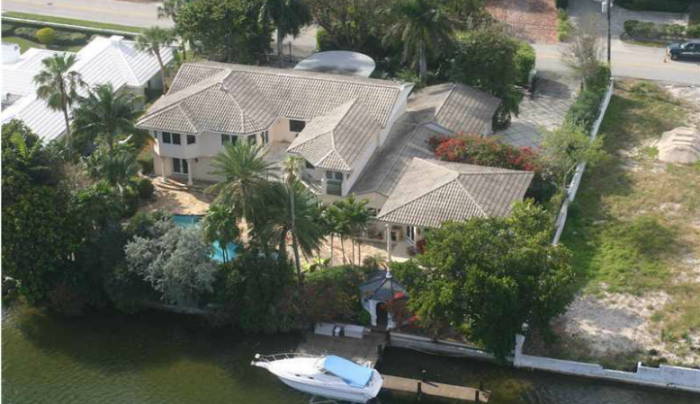 BINNENKIJKEN in het huis van wijlen DAVID 'I THINK I LOVE YOU' CASSIDY dat te koop staat voor $ 3.9 miljoen