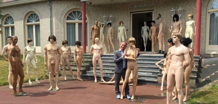 BINNENKIJKEN in de Versaille-villa van Oranjegek JOHAN VLEMMIX waar PATRICIA PAAY EN GORDON gaan wonen….