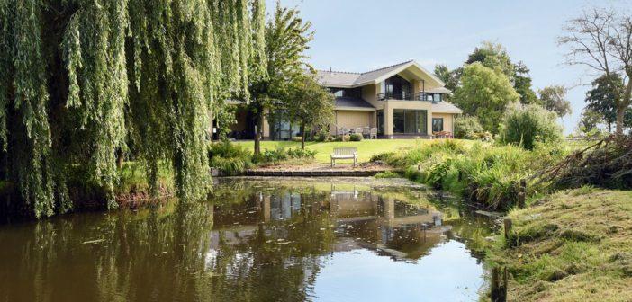 BINNENKIJKEN bij RITA VERDONK die €750.000 winst wil CASHEN bij de verkoop van luxe villa