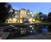 BINNENKIJKEN in het $21 miljoen kostende landhuis van Reinout en Daniëlle Oerlemans in L.A. dat nu eindelijk verbouwd is naar wens van het paar