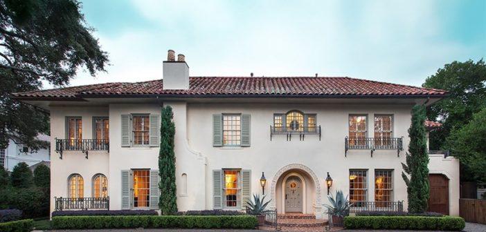 BINNENKIJKEN bij LANCE ARMSTRONG die voor zes miljoen euro af wil van zijn villa in Texas