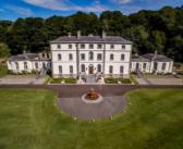 BINNENKIJKEN in het voor 20 MILJOEN EURO gerenoveerde Ierse kasteel van de Lord of the Dance dat u nu kunt kopen voor 12.5 miljoen