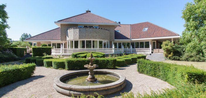 BINNENKIJKEN bij Ajacied ARON WINTER die voor €2.75 MILJOEN af wil van het duurste huis van Lelystad