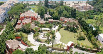 LEUK VAKANTIEHUISJE! BINNENKIJKEN in het DUURSTE HUIS van SPANJE (kost 80 miljoen en staat aan zee in rijkenenclave Marbella)