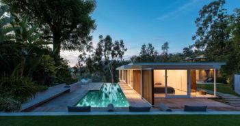 BINNENKIJKEN bij ANNIE LENNOX, nog altijd op zoek naar geluk, die villa van $4.4 miljoen koopt