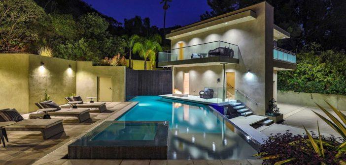 BINNENKIJKEN bij RIHANNA die Hollywood-villa verkoopt voor 6.5 miljoen uit angst voor stalker